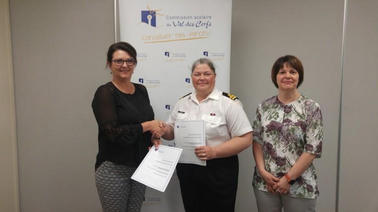 La CSVDC et les cadets de la marine : partenaires pour la réussite des jeunes